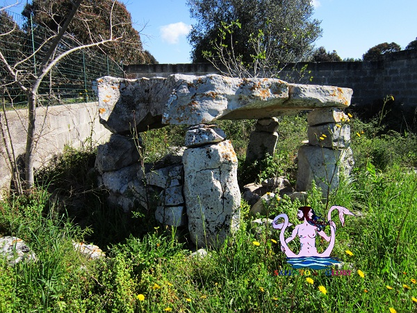 dolmen specchia