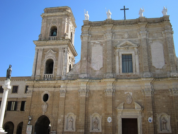 Brindisi, Cattedrale, esterno