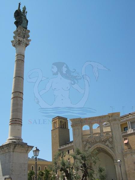 colonna di sant'oronzo a Lecce