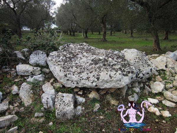 presso dolmen caramauli