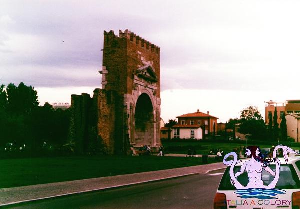 Viaggio in Italia Rimini, arco di Augusto