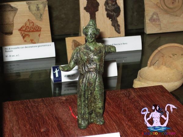 castro archeologica statuetta dea atena
