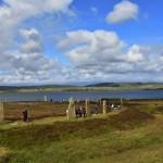 Il cerchio megalitico di Brodgar in Scozia