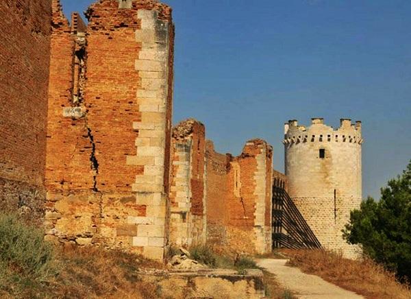 Lucera il castello di Federico II - 1