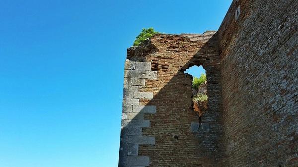 Lucera il castello di Federico II - 4