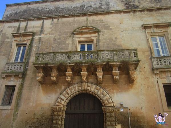 1 castello palazzo baronale di caprarica di lecce