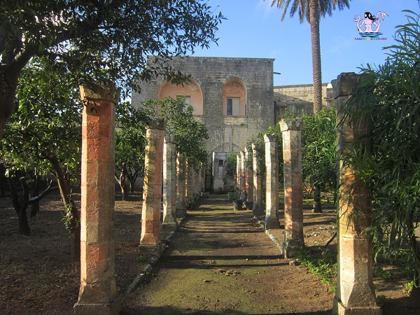 7 castello palazzo baronale di caprarica di lecce