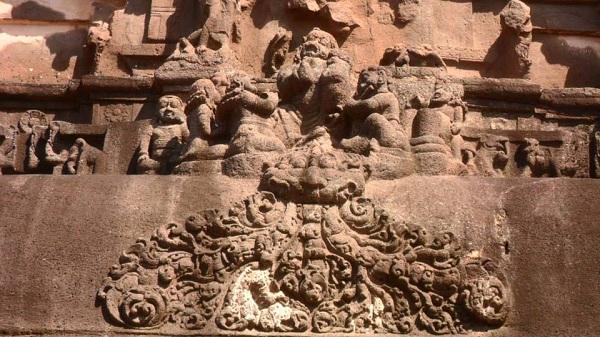 7 kailash temple india