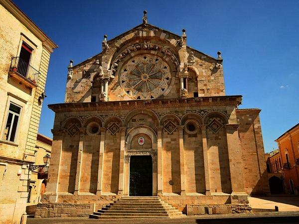 troia-cattedrale-vezoli