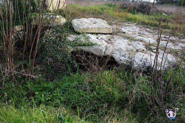 grotta sepolcro di muro leccese 1