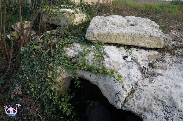 grotta sepolcro di muro leccese 2