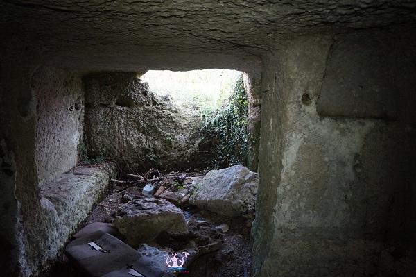 grotta sepolcro di muro leccese 6
