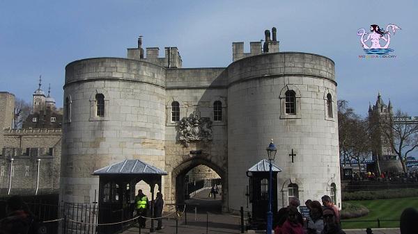 torre di londra e graffiti 93