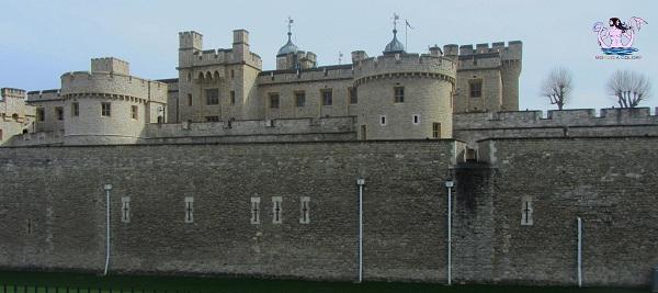 torre di londra e graffiti 95