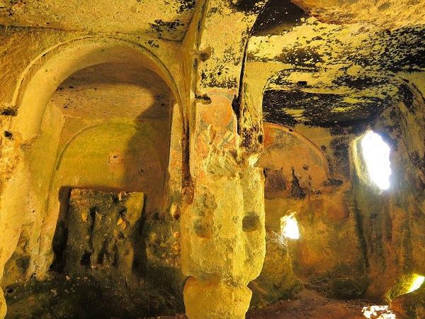 Santa Maria alle Grotte Mottola 15