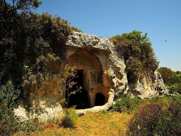 Santa Maria alle Grotte Mottola 19