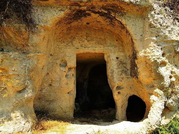 Santa Maria alle Grotte Mottola 6