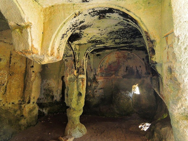 Santa Maria alle Grotte Mottola 9