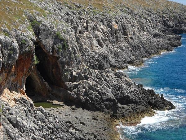 grotta delle striare 3