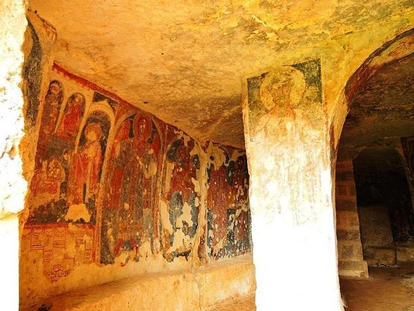 cripta di santa margherita a mottola 14