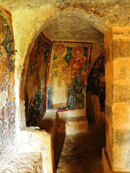 cripta di santa margherita a mottola 29