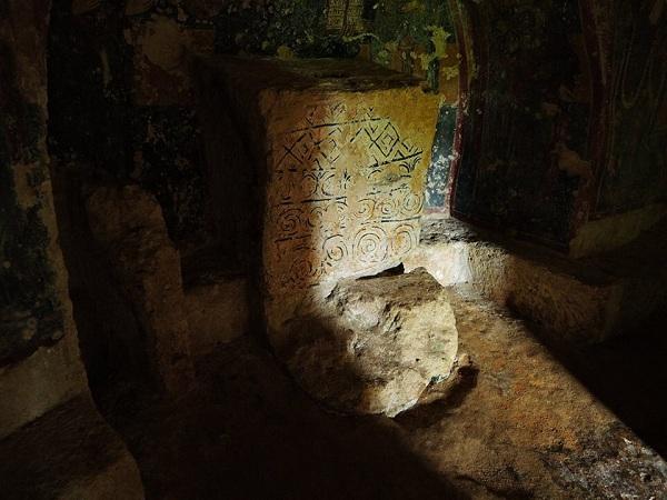 cripta di santa margherita a mottola 38