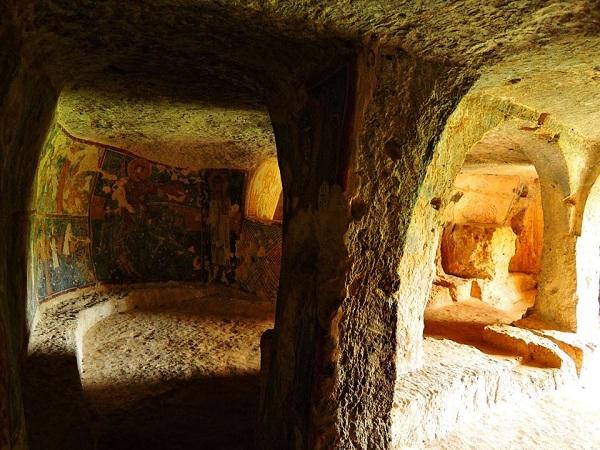 cripta di santa margherita a mottola 44
