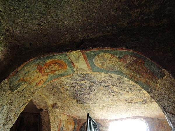 cripta di santa margherita a mottola 6