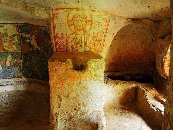 cripta di santa margherita a mottola 68