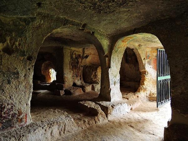 cripta di santa margherita a mottola 84