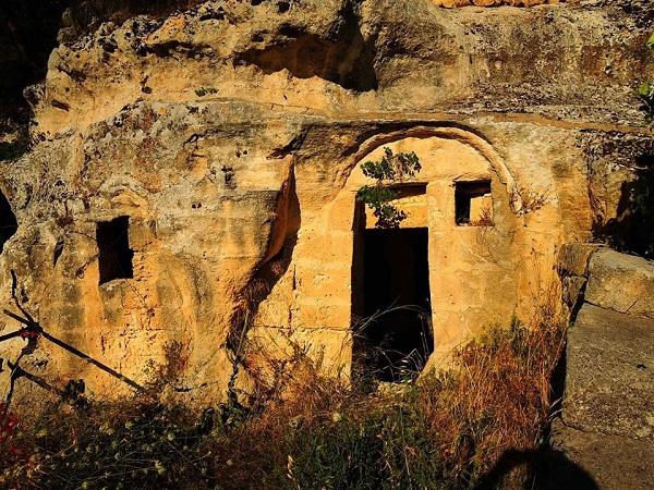 La chiesa rupestre di S.Girolamo a Palagianello