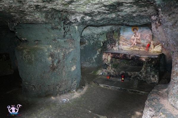 cripta-san-giovanni-a-giuggianello