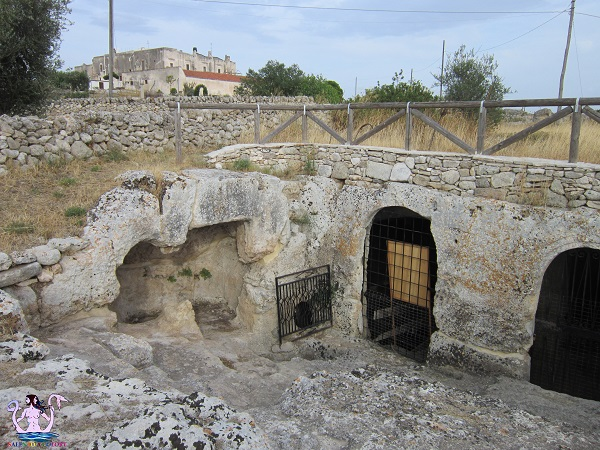 La cripta e il villaggio rupestre di Casalrotto