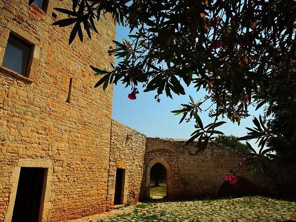 Il Casale fortificato di Balsignano