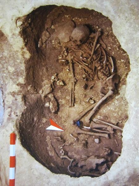 tomba neolitica di carpignano
