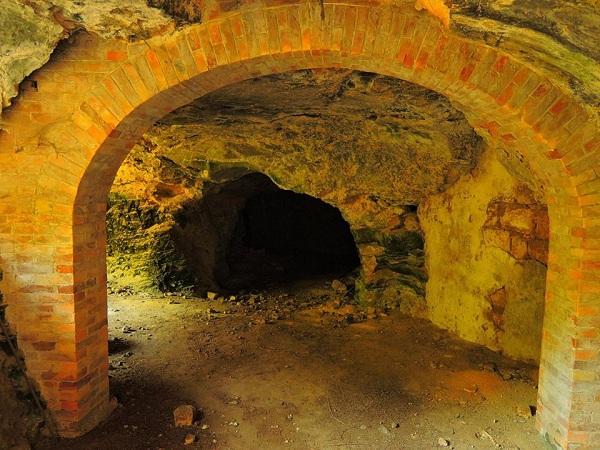 insediamenti rupestri di Bari