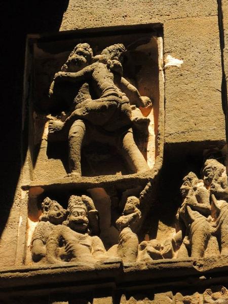 32 kailash temple india