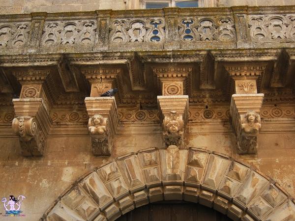 4 castello palazzo baronale di caprarica di lecce