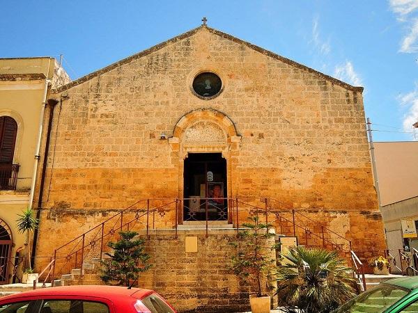 chiesa di santa lucia a brindisi 1