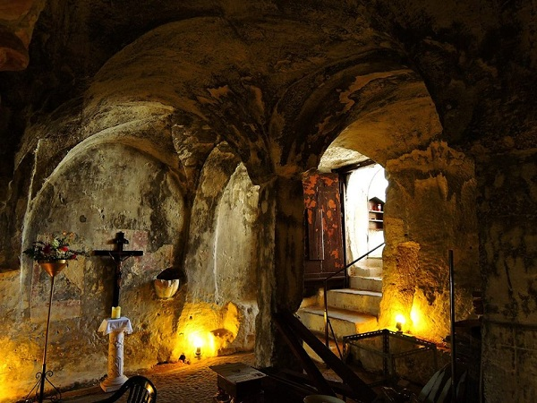 chiesa rupestre Spirito Santo a Monopoli 16