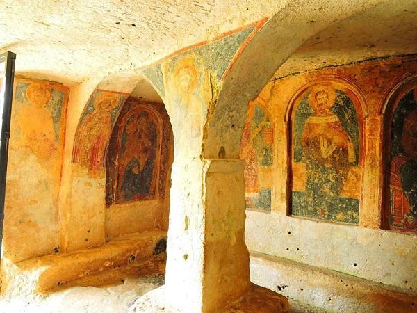 chiesa rupestre di san nicola a mottola 14