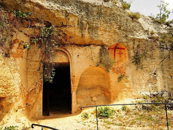 chiesa rupestre di san nicola a mottola 2