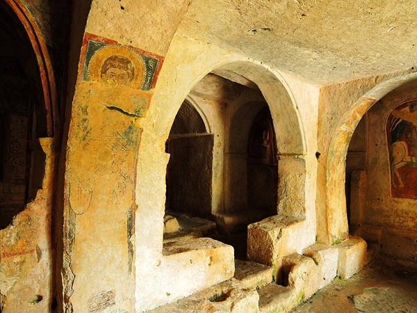 chiesa rupestre di san nicola a mottola 21