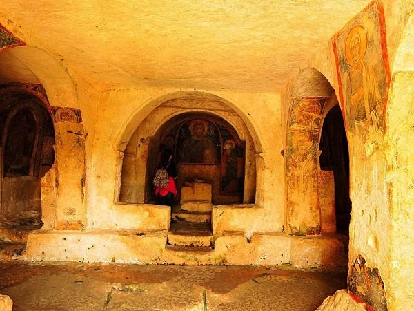 chiesa rupestre di san nicola a mottola 3
