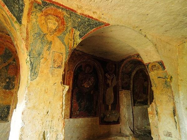 chiesa rupestre di san nicola a mottola 6