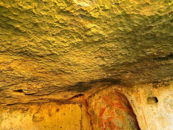 cripta Arcangelo Michele 8
