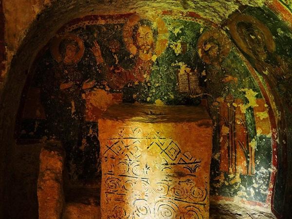 cripta di santa margherita a mottola 39