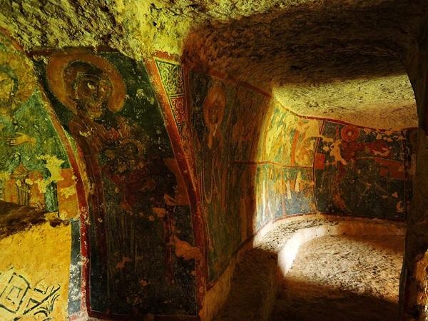 cripta di santa margherita a mottola 45