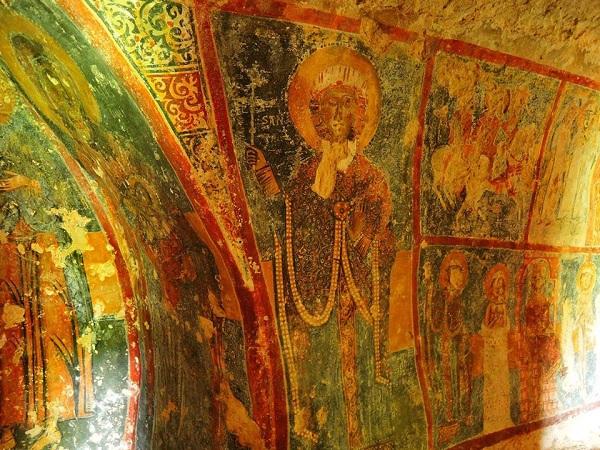 cripta di santa margherita a mottola 46