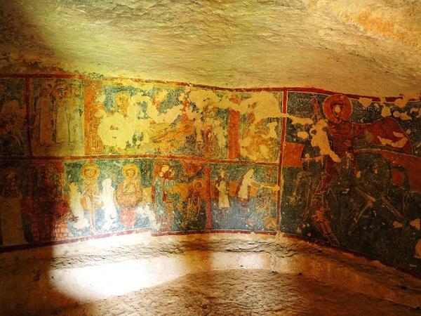 cripta di santa margherita a mottola 50